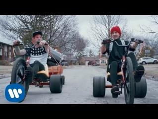 Twenty one pilots, Stressed Out, OFFICIAL VIDEO
